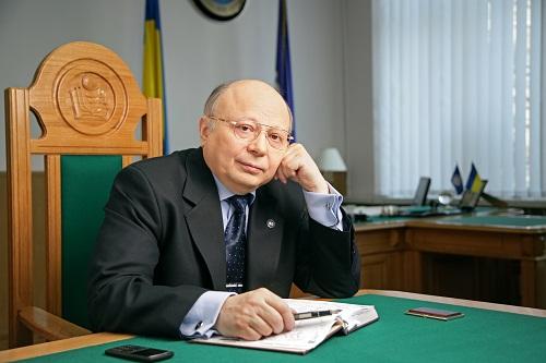 Володимир Степанович на робочому місті